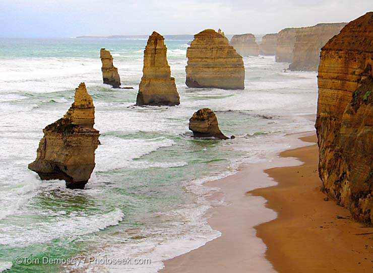 The 12 Apostles alogn the southern shores of Victoria